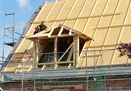 Ihr Spezialist für Bedachung wie Dachstuhl, Dachsanierung, Dacheindeckung, Gauben, Dachfenster